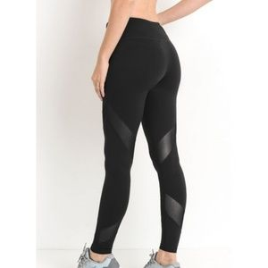 Black Criss-Cross Mesh Full Leggings